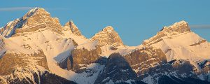 Live Events Stock Media - Morning light on Mount Rundle
